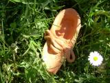 <h5> La mia scarpa </h5><p>Opera in creta realizzata da un ragazzo di 15 anni  all'interno di un percorso di arte terapia individuale </p>